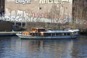 IMG_7850 boat tour Volker